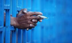 prisoner-smoking