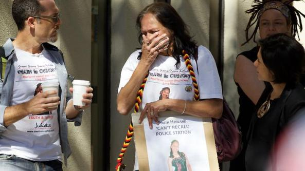 Della Roe, mother of Ms Dhu outside the coroner's court in Perth on Friday, Dec 16, 2016. The State Coroner is due to hand down findings into the death of Ms Dhu, who died in police custody in August, 2014. (AAP Image/Richard Wainwright) NO ARCHIVING