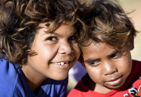 2 small Aboriginal children